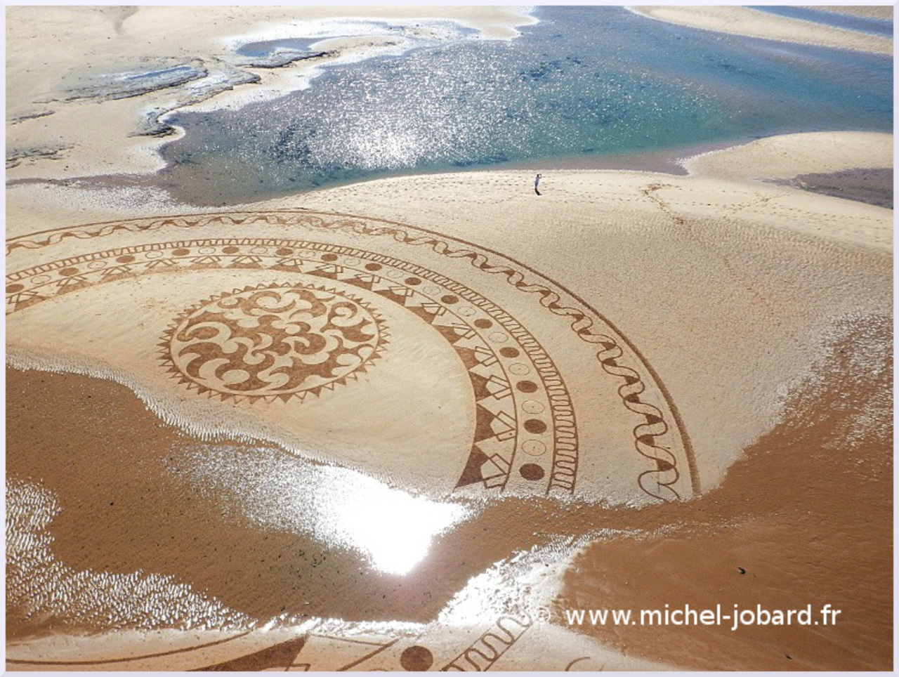Fresque Beach art Mandala Blue, Michel Jobard