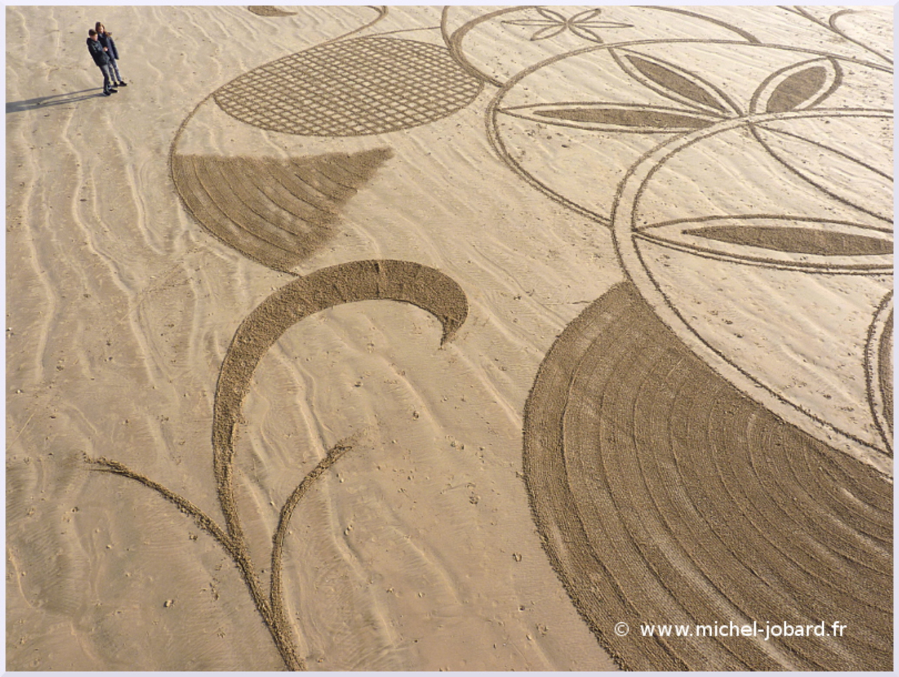 beach-art- zen -garden- 02