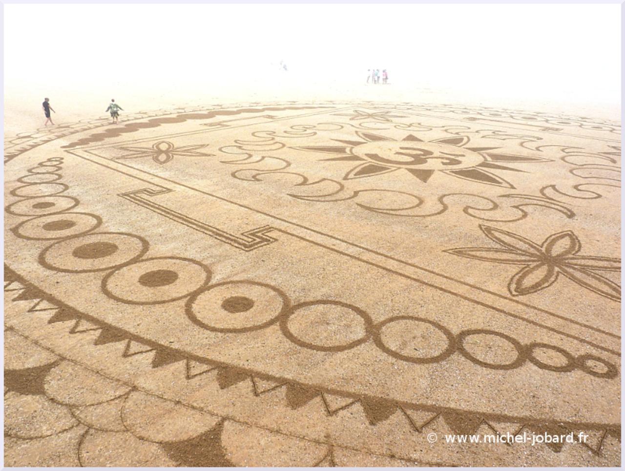 beach-art-akasha-03