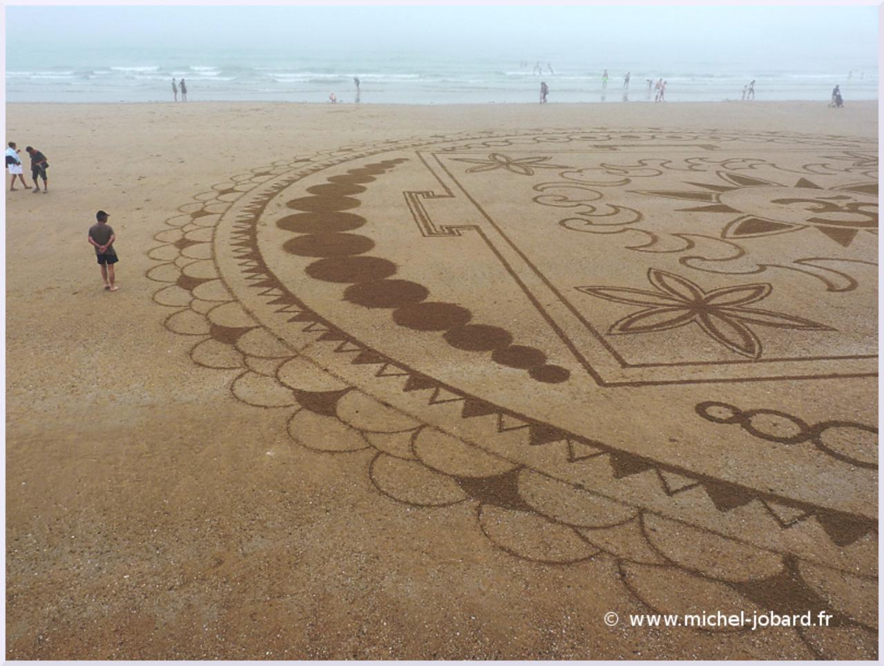 beach-art-akasha-05