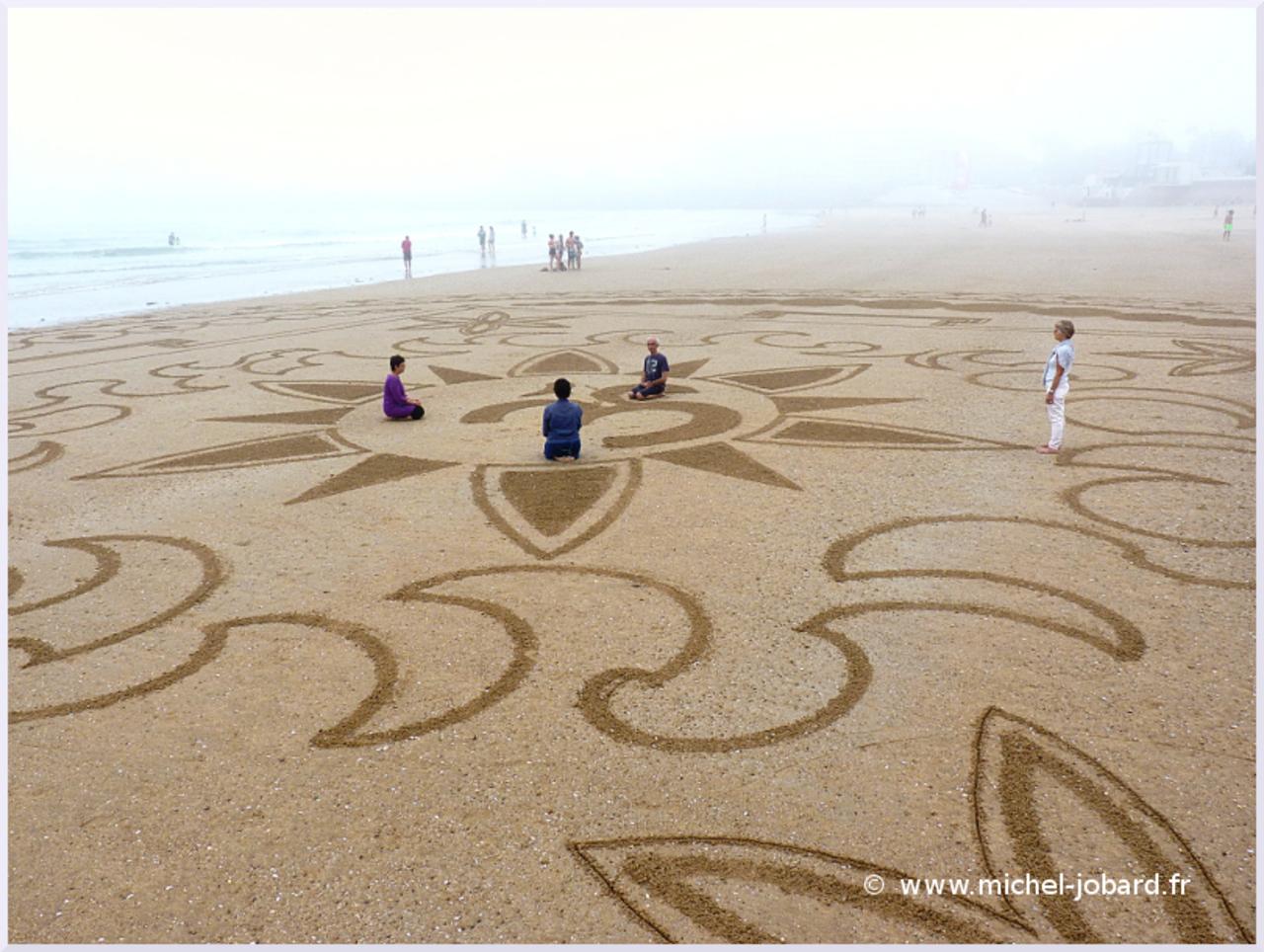 beach-art-akasha-10