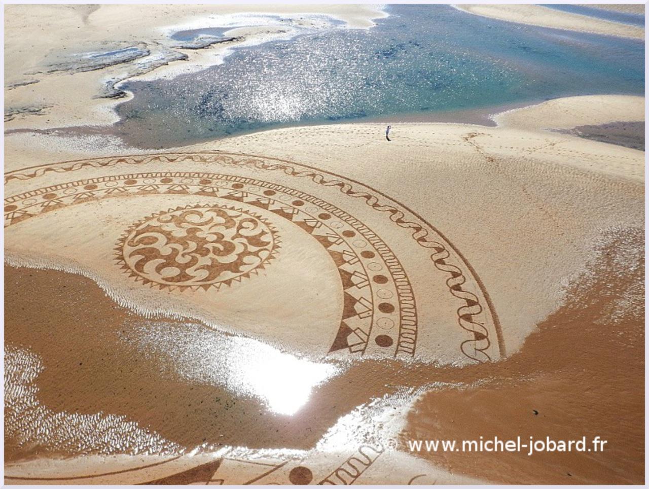 Fresque Beach art Mandala Blue, Michel Jobard