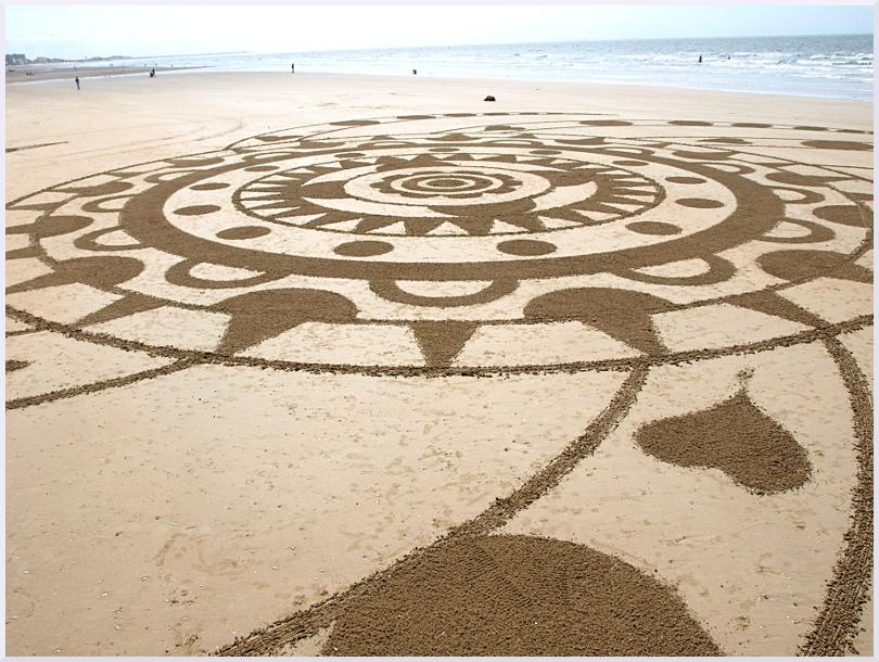Fresque Beach art Mandala du coeur, Michel Jobard