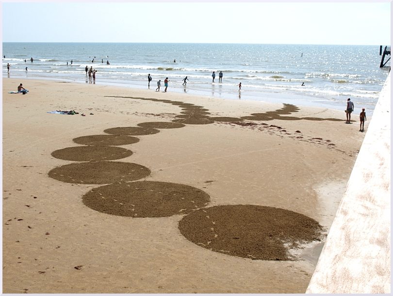 Fresque Beach art Under blue sky, Michel Jobard