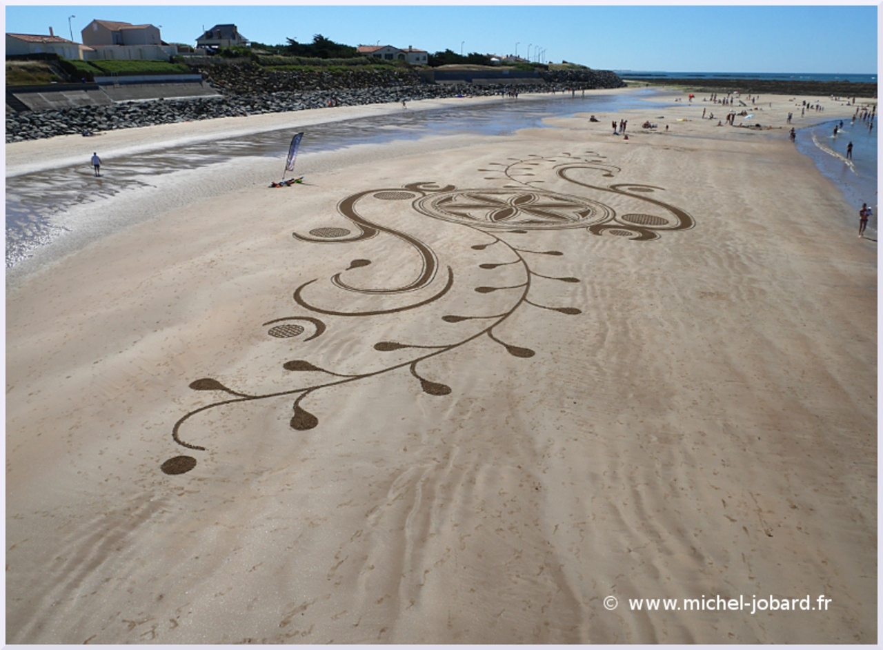 Beach-art-For Humanity-01